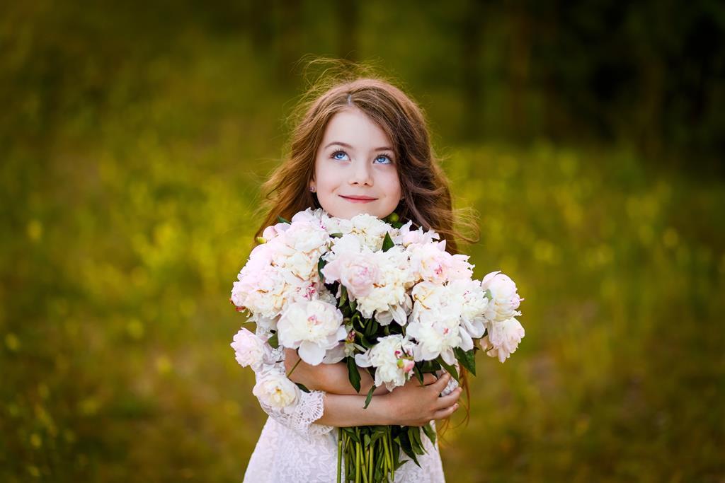 f8b870a12d Jak się ubrać na komunię dziecka  Te porady pomogą ci dobrze wybrać ...
