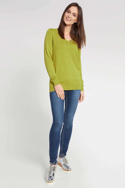 Limonkowy sweter z ozdobnymi guzikami