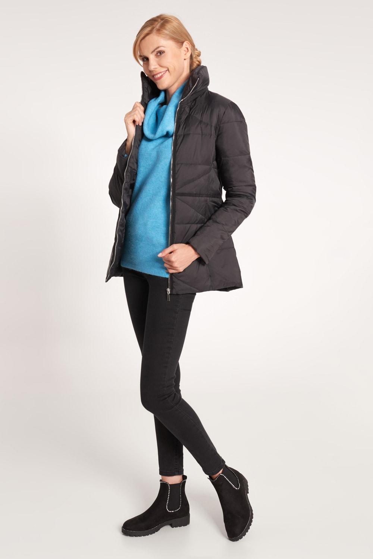 Czarna krótka kurtka regulowana w talii