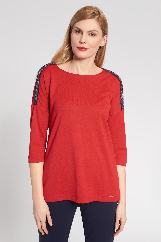 Czerwona bluzka z ozdobnym wykoñczeniem na ramionach