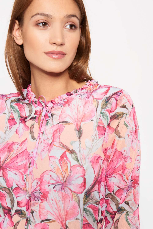 Delikatna bluzka w ró¿owe kwiaty