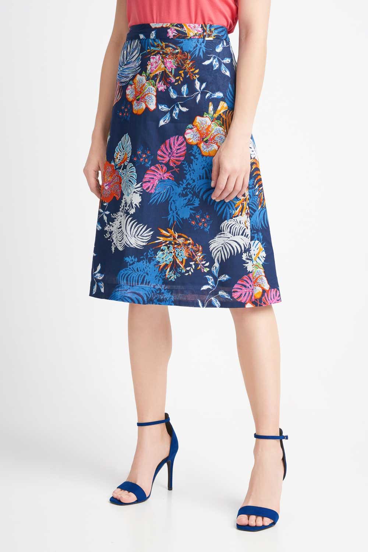 Granatowa zwiewna spódnica w kwiaty