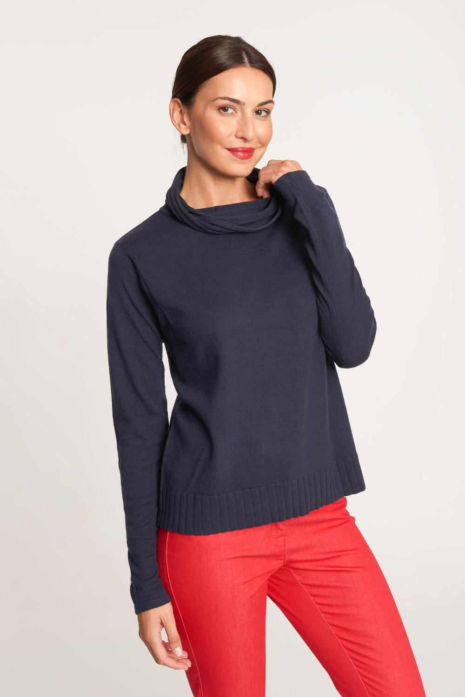 Granatowy sweter z lu¼nym golfem