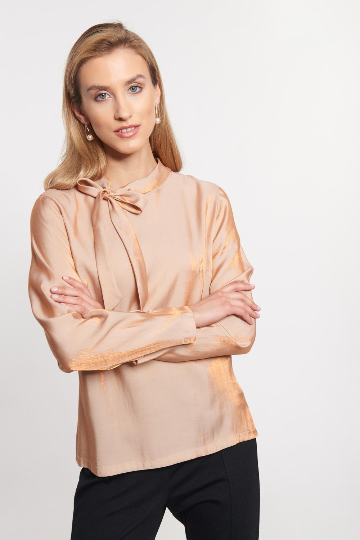 Miedziana bluzka z wi±zaniem przy dekolcie