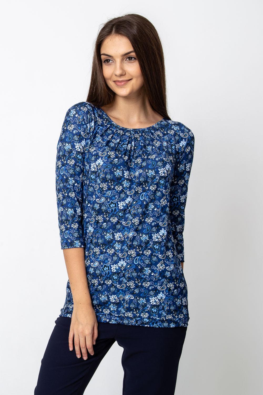 Niebieska bluzka z kwiatowym wzorem