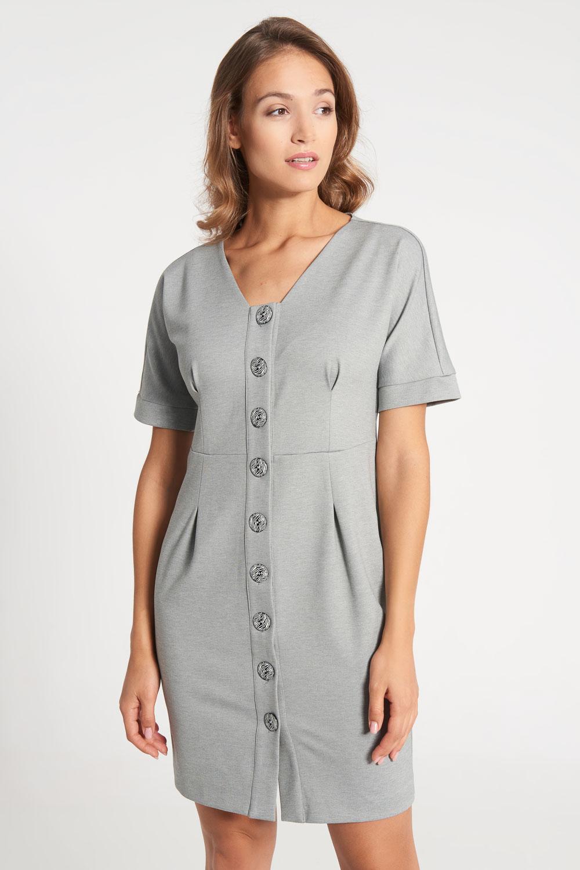 Szara sukienka z ozdobnymi guzikami