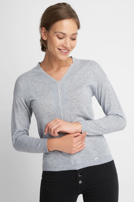 Szary sweter z dekoltem V